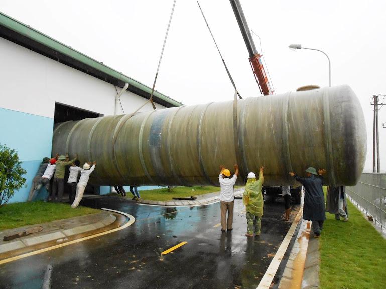 Vận chuyển bồn composite xử lý nước thải sinh hoạt