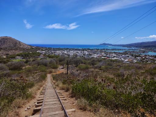 頂上まで一直線!ココ・クレーター・レイルウェイ・トレイルを訪ねて -オアフ島をサイクリング(2)