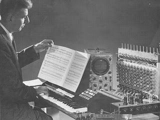El primer prototipo del Touch Sensitive Organ de Hugh Le Caine
