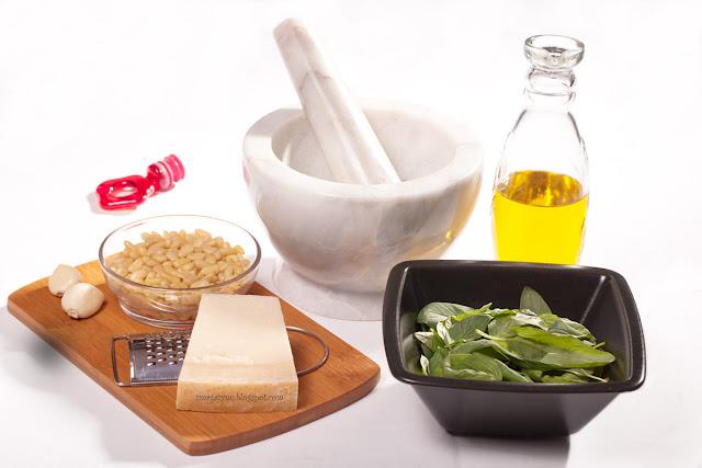 składniki na klasyczne pesto genovese