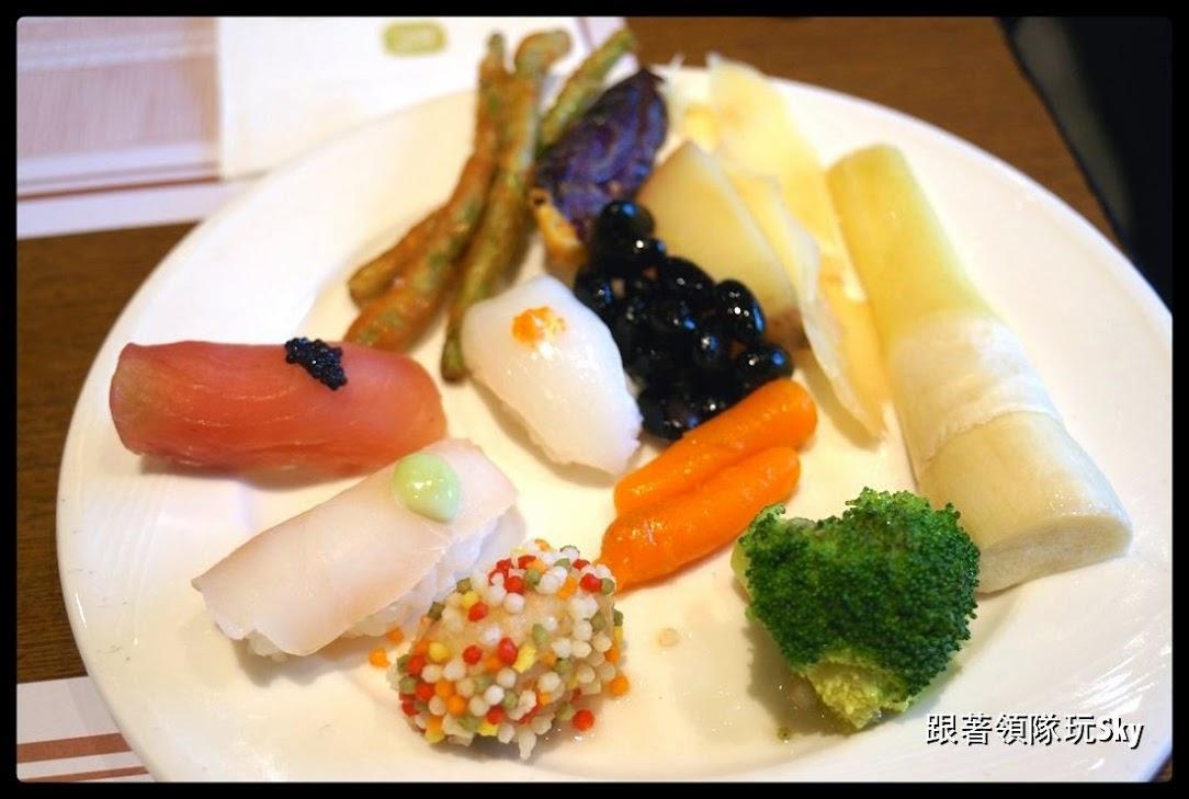 台北美食推薦-氣派豪華的 吃到飽餐廳 【圓山大飯店-松鶴廳】
