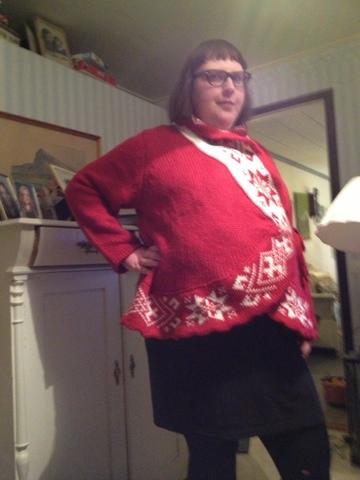 7c507e93dc64 Dagens outfit var trasiga kalasbyxor, svart tajt klänning från Asos Curve och  stickad jultröja från Ellos. Hoppas även ni har en fin jul! Puss & kram!