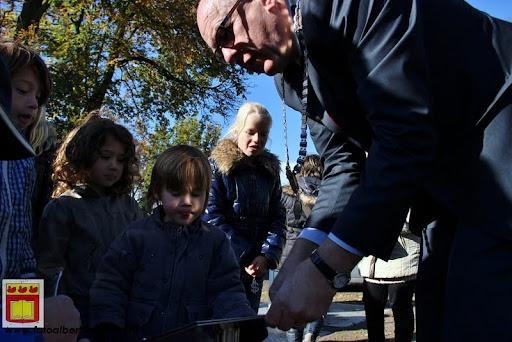 burgemeester plant lindeboom in overloon 27-10-2012 (24).JPG
