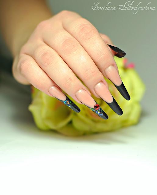 Фото ногтя современный миндаль
