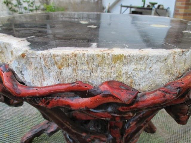 stein tisch fossil versteinertes holz baumscheibe ste 24kg schwer stabil 57cm ebay. Black Bedroom Furniture Sets. Home Design Ideas