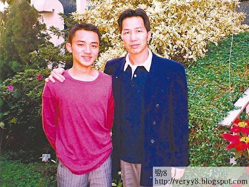 王祖藍的父親因腸癌逝世,對他打擊很大