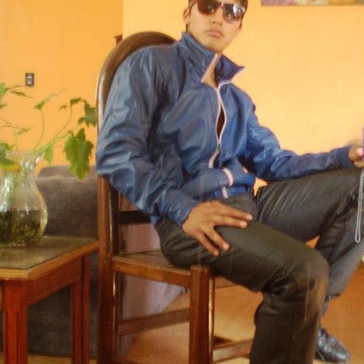 Alejandro Gama Photo 6