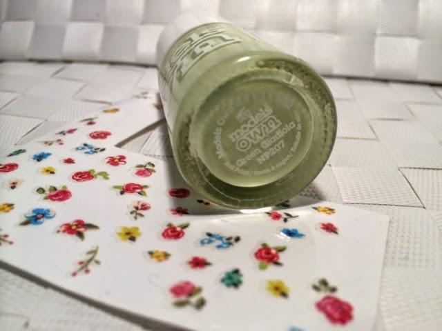 Models-Own-Sticky-Fingers-Pastel-Petals-Green-Green-Gladiola