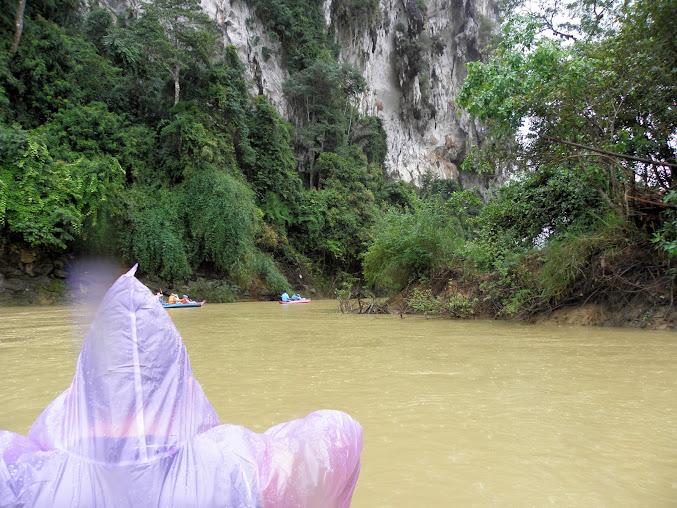 https://lh5.googleusercontent.com/-a2seQ2Dytf8/Upzu3xz_3LI/AAAAAAAADnw/6YMIBb_d-70/w677-h508-no/Tajlandia+2013+254.JPG