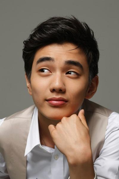 25 Artis Lelaki Terkacak di Korea Pada 2011