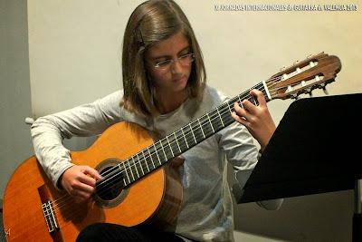 Paula Ballester Beneito, guitarra
