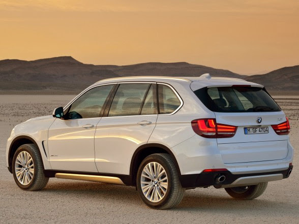 2014 BMW X5 - xDrive30d - Rear Side