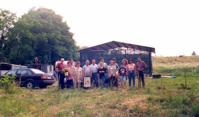 http://venetoservo.blogspot.it/2012/04/pederobba-quando-lassociazione.html  lo scandalo della cancellazione di un evento culturale da parte della ignoranza della gente ignorante di pederobba