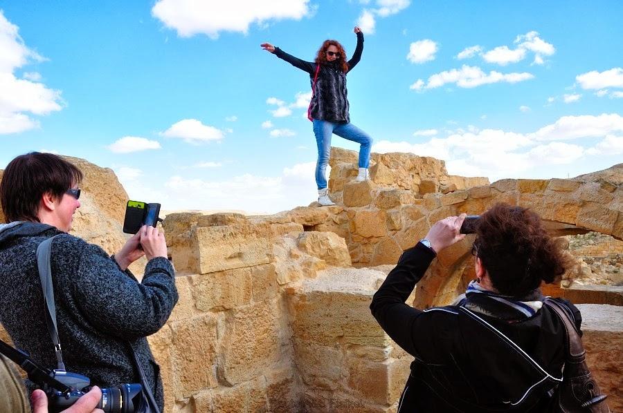 Фоторепортаж: гид Светлана Фиалкова, экскурсия в Негев, национальный парк Мамшит. Фотографии на древних руинах.