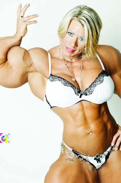 Julie Bourassa female muscle morph