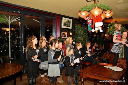 concert in kerstsfeer met cantiloon en palet overloon 13-12-2011 (2).JPG