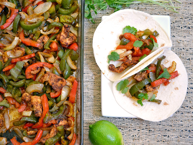 Using the oven to bake these oven fajitas makes them almost effortless, but still mouth-wateringly delicious. BudgetBytes.com