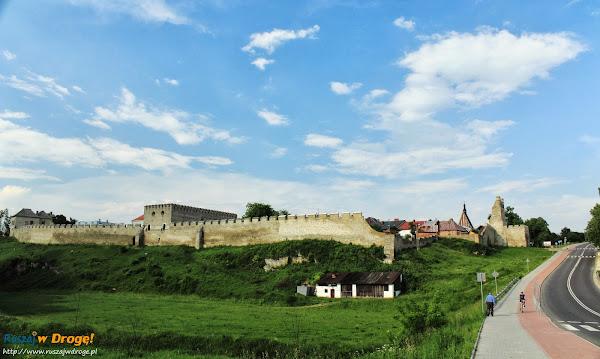 Szydłów - mury obronne