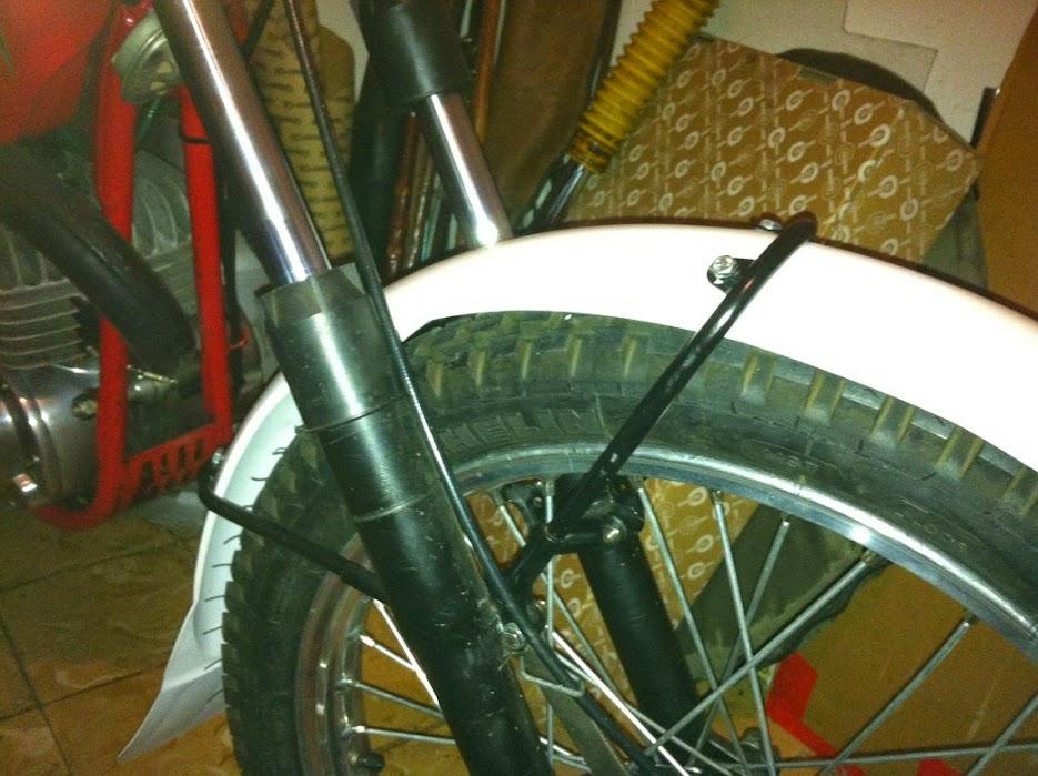 Bultaco Sherpa T125 - Tentado Por El Lado Oscuro - Página 5 IMG_1011