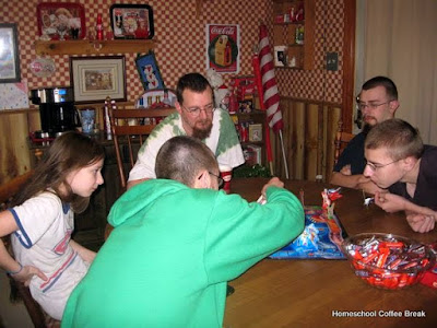History Lesson: 1930s Game Night on Homeschool Coffee Break @ kympossibleblog.blogspot.com