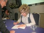 Firmando libros del 'Diario de Yasmín. Granada, dic 2013