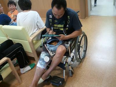 モーリー、板に引き続き膝が割れる(2011.06.11)