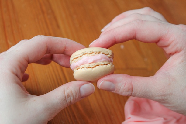 how to recipe for macarons and buttercream filling