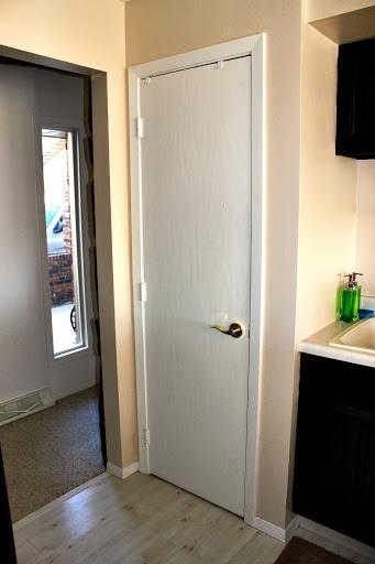 Diy Pantry Door Redo 2 Between3sisters