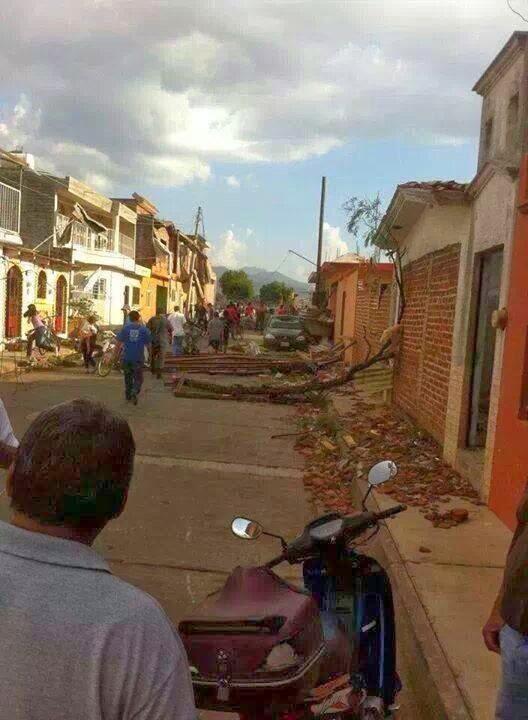 destruccion tornado tangancicuaro