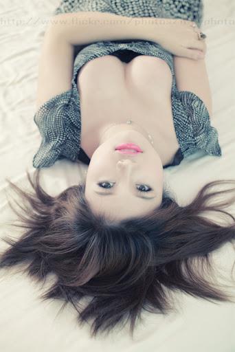 Girl khoe hàng ngực trần vòng 1 to khủng đẹp
