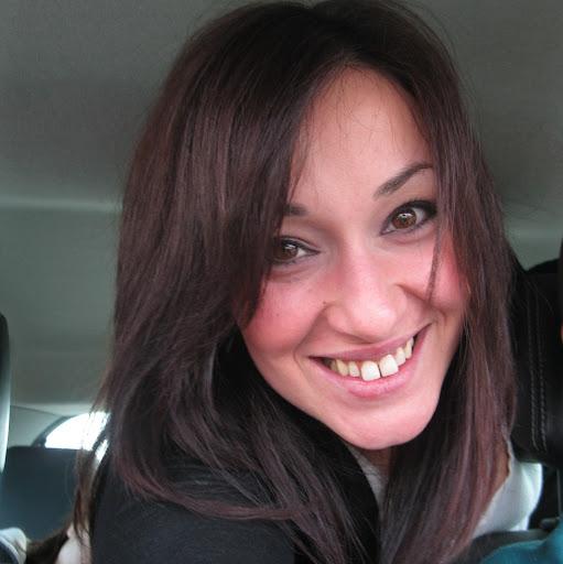 Adriana Leone Photo 3