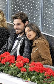 Iker Casillas and Sara Carbonero during a tennis match