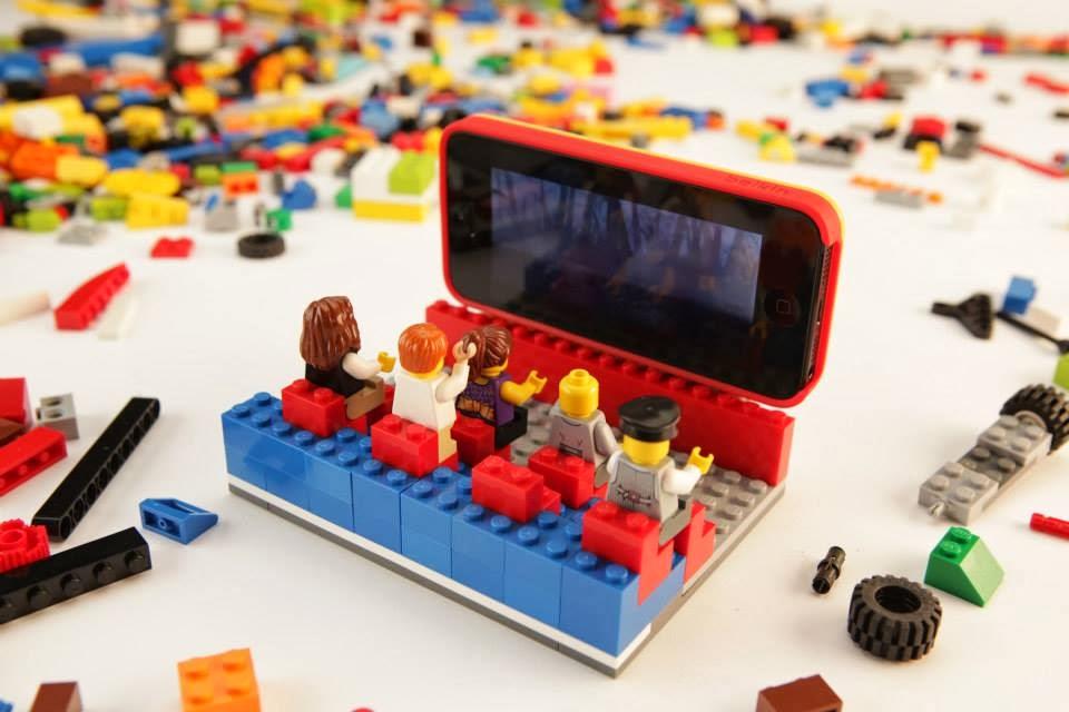 #智慧手機的歡樂聚會:LEGO x belkin iPhone 5 protective builder case 2