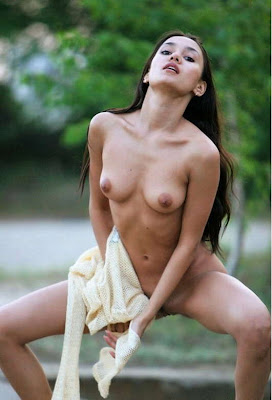 Nude Filipina Girl