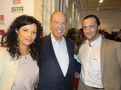 Lúcia Loureiros, em representação da Toiros +, O Comendador Rui Nabeiro e Henrique Gil também representante da Toiros + (foto de Emílio Pinto e Marco Gomes)