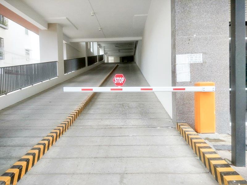 Sử dụng thanh chắn xe tự động để đảm bảo an ninh