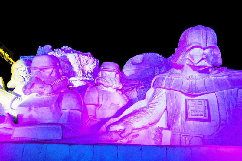 さっぽろ雪まつり 雪のスターウォーズ ライトアップ 写真1