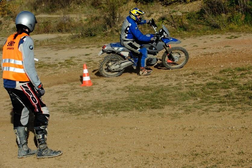 Intensivtraining mit dem BMW Motorrad beim Training