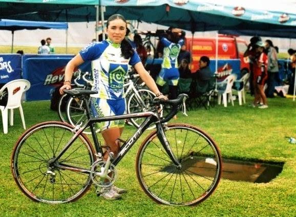 Victoria Galvis: De Cajicá Cundinamarca, proviene de una familia de ciclistas. Actualmente es profesora de ciclismo en Insdeportes Cajicá, según la red social Linkedin. Líder de la II Etapa de la VII Vuelta Femenina a Guatemala en 2007.
