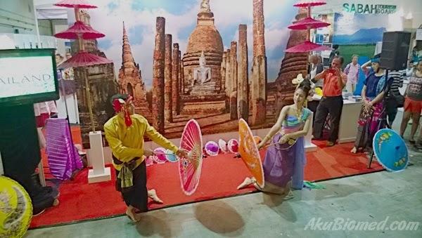 persembahan tarian kebudayaan thailand