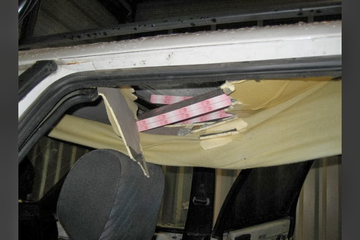 куда прячут сигареты в машине