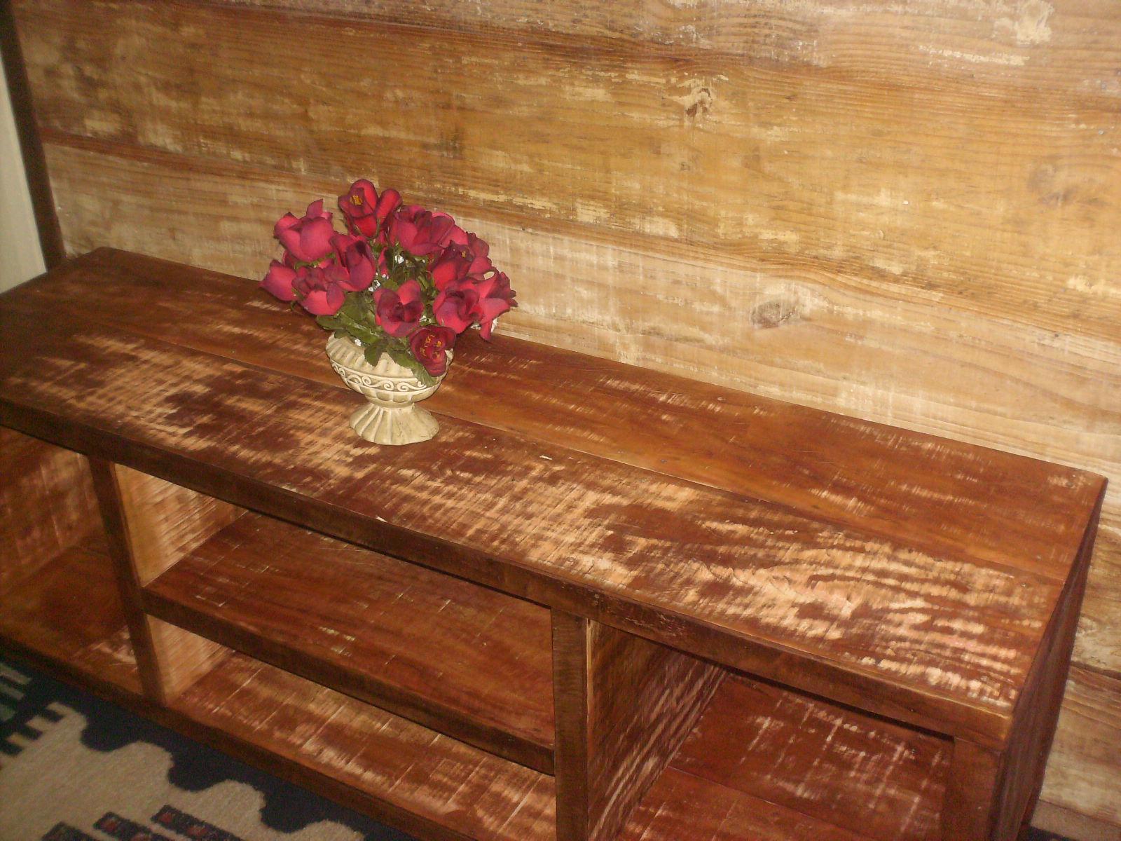 TALH'ARTE arte em madeira: Rack e Painel em madeira de demolição! #A77224 1600x1200