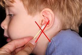 Korek pecah telinga anak