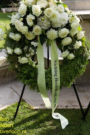 herdenkingsdienst  en een stille tocht naar het Engelse kerkhof 12-10-2014 (99).jpg