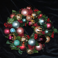 OWR8035 Joy Wreath Centerpiece