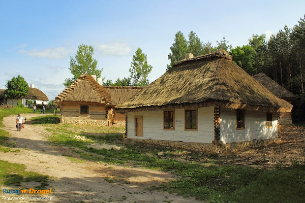 odtworzona wioska w muzeum wsi kieleckiej w Tokarni
