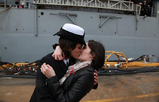 12-21-navy-kiss-2011-12-21-13-06.jpg