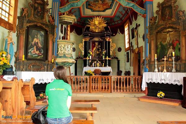 kościółek w muzeum wsi kieleckiej w Tokarni