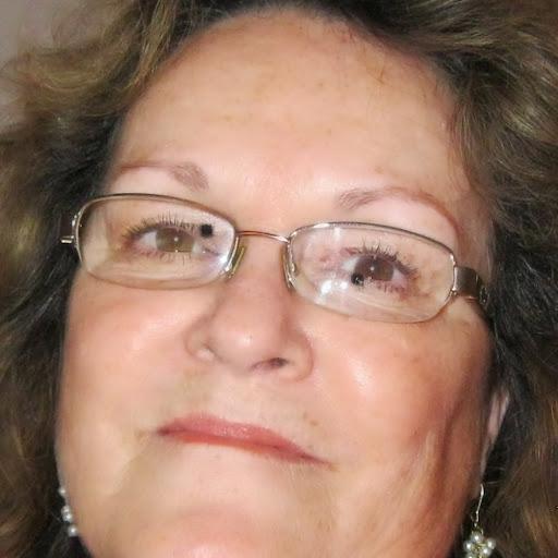 Pauline White Photo 13