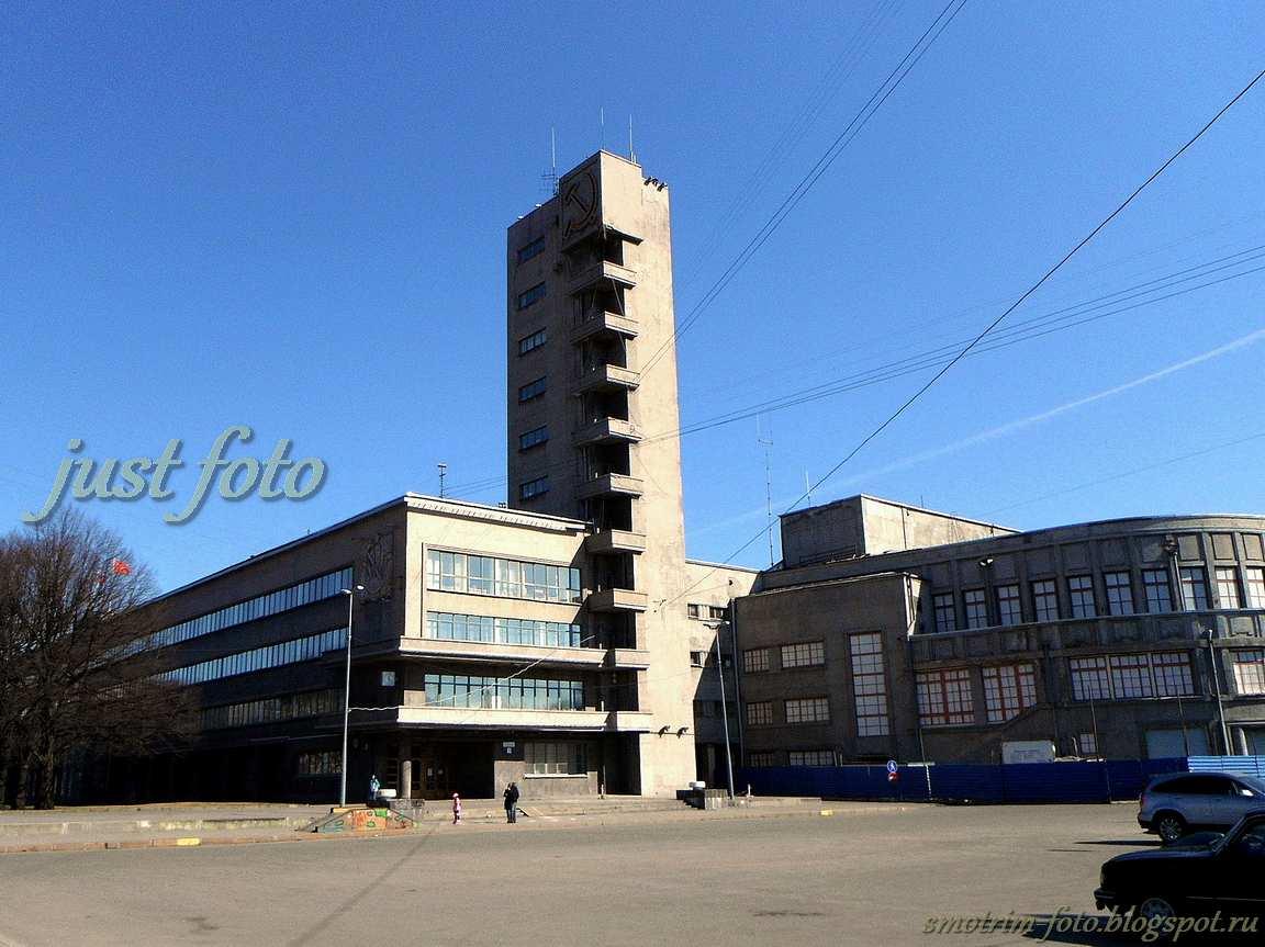 Дом Советов в стиле конструктивизм фото